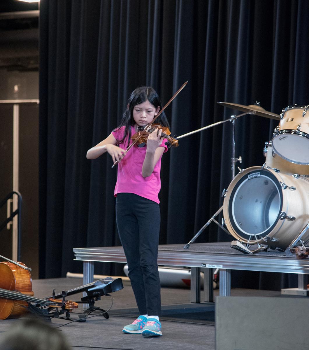 Aisha, Oakville Suzuki Violin, 2Birds band